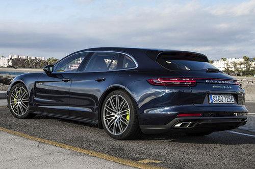 Porsche Panamera Turbo S E,Hybrid Sport Turismo , erster