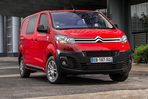 Citroen jumpy peugeot expert erster test schon for Interieur jumpy 9 places