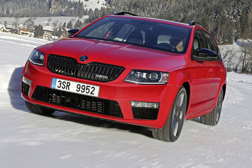 skoda octavia rs 4x4 erster test schon gefahren. Black Bedroom Furniture Sets. Home Design Ideas