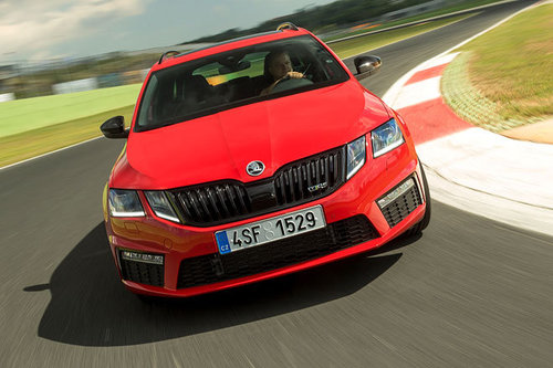 skoda octavia rs 245 erster test schon gefahren. Black Bedroom Furniture Sets. Home Design Ideas
