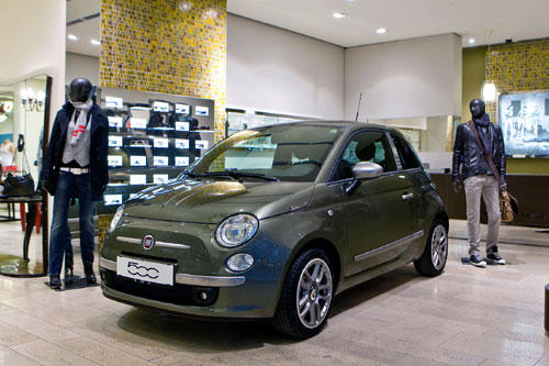 sondermodell fiat 500 by diesel news autowelt. Black Bedroom Furniture Sets. Home Design Ideas