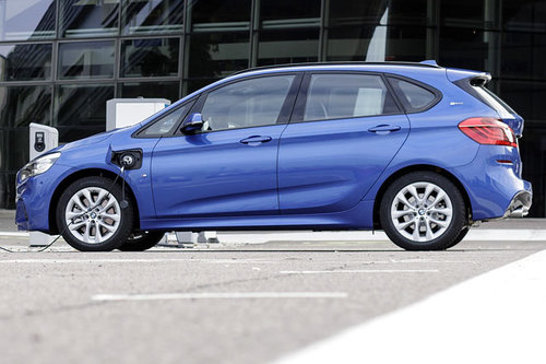 Plug In Hybrid Bmw 225xe Active Tourer News Autowelt Motorlinecc