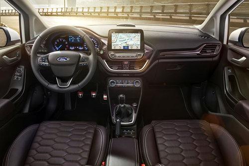 Ford-Umfrage: Was Autofahrern wichtig ist Ford Fiesta Vignale Cockpit 2017