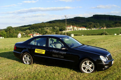 mercedes e 200 ngt avantgarde im test autotests. Black Bedroom Furniture Sets. Home Design Ideas