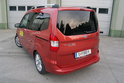 ford tourneo courier 1 0 im test autotests autowelt. Black Bedroom Furniture Sets. Home Design Ideas