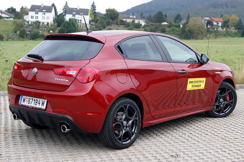 alfa romeo giulietta veloce im test autotests autowelt. Black Bedroom Furniture Sets. Home Design Ideas