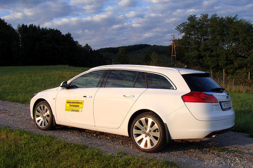 opel insignia sports tourer im test autotests. Black Bedroom Furniture Sets. Home Design Ideas
