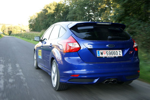 ford focus st im test autotests autowelt. Black Bedroom Furniture Sets. Home Design Ideas