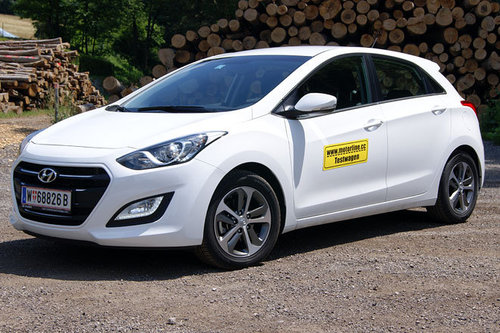 hyundai i30 1 6 crdi dct comfort im test autotests. Black Bedroom Furniture Sets. Home Design Ideas
