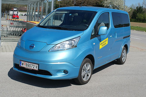 nissan e nv200 evalia tekna im test autotests. Black Bedroom Furniture Sets. Home Design Ideas
