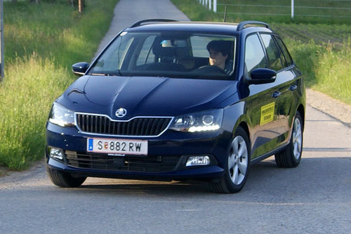 skoda fabia combi 1 2 tsi ambition dauertest start. Black Bedroom Furniture Sets. Home Design Ideas