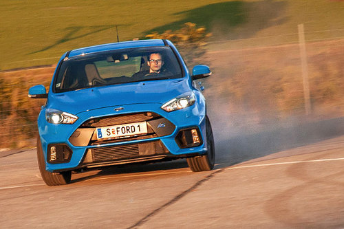 ford focus rs 2 3 ecoboost awd im test autotests. Black Bedroom Furniture Sets. Home Design Ideas