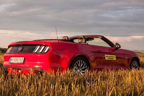 ford mustang gt convertible im test autotests. Black Bedroom Furniture Sets. Home Design Ideas