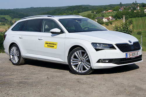 skoda superb combi 4x4 tsi 280 style im test autotests autowelt. Black Bedroom Furniture Sets. Home Design Ideas
