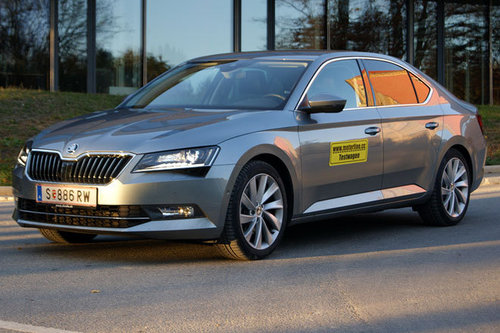 skoda superb tdi dsg style im test autotests autowelt. Black Bedroom Furniture Sets. Home Design Ideas