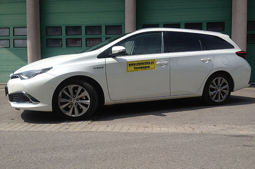 Toyota Auris Touring Sports 18 Hybrid Lounge Im Test Autotests