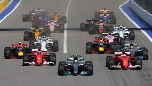 Formel 1: Bottas gewinnt vor Vettel und Räikkönen in Russland