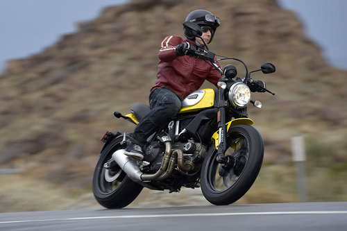 ducati scrambler erster test schon gefahren motorrad. Black Bedroom Furniture Sets. Home Design Ideas