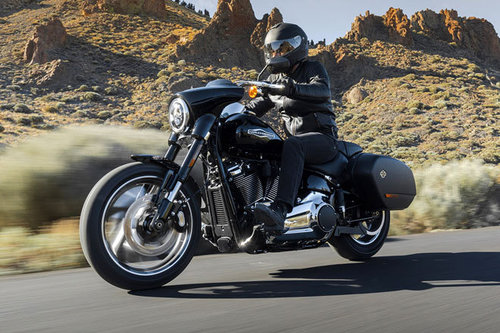 harley davidson sport glide erster test schon gefahren. Black Bedroom Furniture Sets. Home Design Ideas