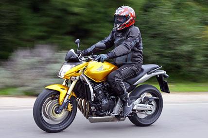 honda cb 600 f hornet im test motorrad tests motorrad. Black Bedroom Furniture Sets. Home Design Ideas
