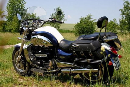 triumph rocket iii classic im test motorrad tests motorrad. Black Bedroom Furniture Sets. Home Design Ideas