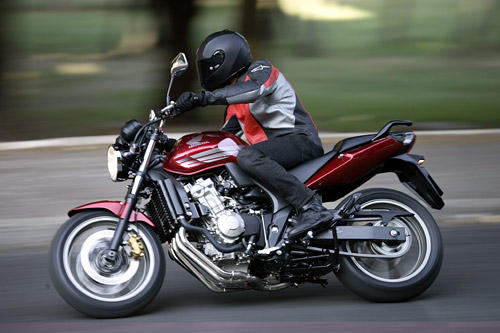 honda cbf 600 im test motorrad tests motorrad. Black Bedroom Furniture Sets. Home Design Ideas