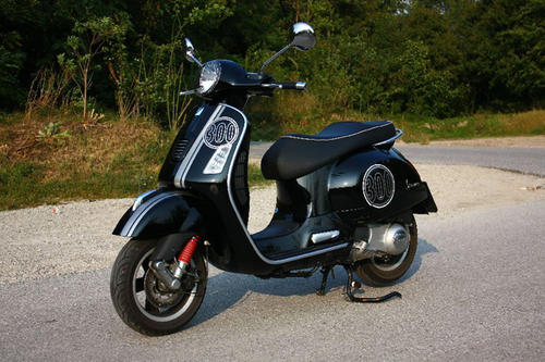 piaggio vespa gts 300 i e super im test motorrad tests motorrad. Black Bedroom Furniture Sets. Home Design Ideas