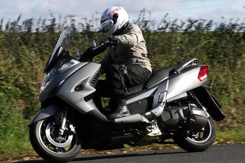 kymco myroad 700i im test motorrad tests motorrad. Black Bedroom Furniture Sets. Home Design Ideas
