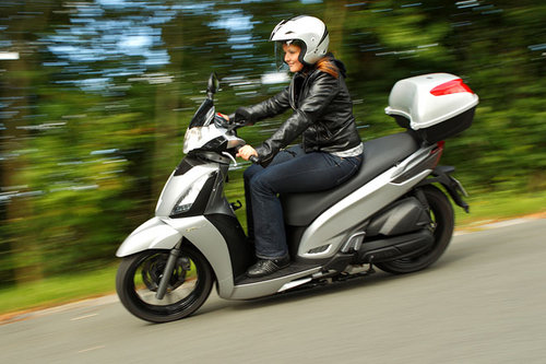 kymco people gti 300 abs im test motorrad tests. Black Bedroom Furniture Sets. Home Design Ideas