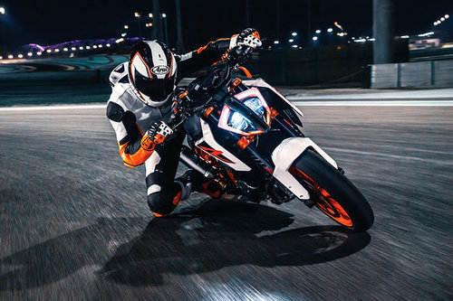 KTM 1290 Super Duke R  - im Test KTM 1290 Super Duke R 2017