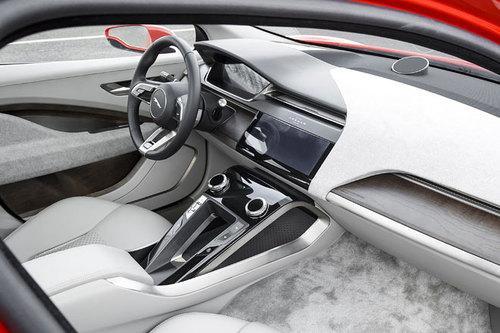 Jaguar I-Pace Cockpit 2017
