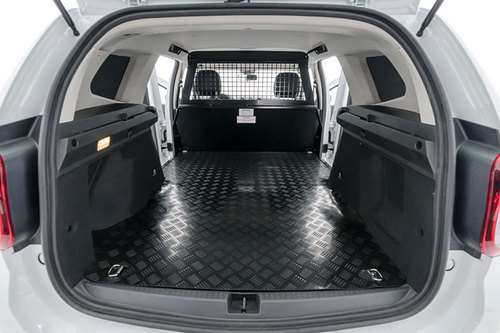 suv transporter dacia duster fiskal news offroad. Black Bedroom Furniture Sets. Home Design Ideas