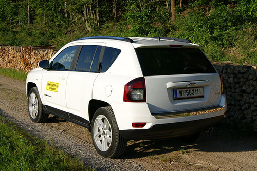 jeep compass 2 4 4wd automatik limited im test offroader tests offroad. Black Bedroom Furniture Sets. Home Design Ideas