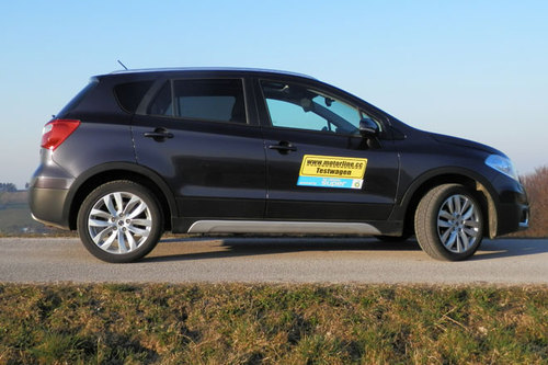 suzuki sx4 s cross 1 6 allgrip flash im test offroader tests offroad. Black Bedroom Furniture Sets. Home Design Ideas