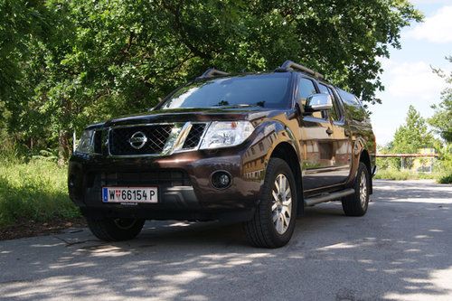 nissan navara 3 0 v6 dci im test offroader tests offroad. Black Bedroom Furniture Sets. Home Design Ideas