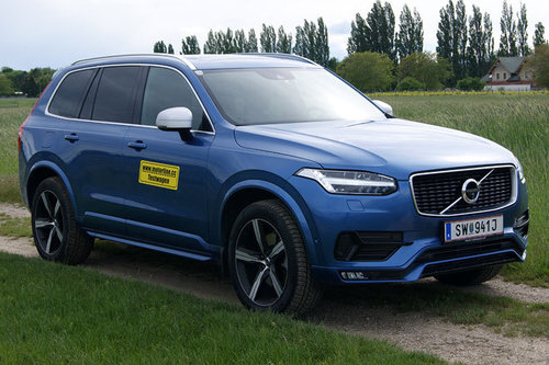 volvo xc90 d5 awd r design im test offroader tests offroad. Black Bedroom Furniture Sets. Home Design Ideas