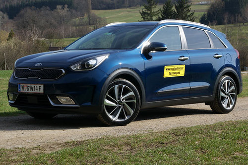 kia niro 1 6 gdi hybrid platin im test offroader tests offroad. Black Bedroom Furniture Sets. Home Design Ideas