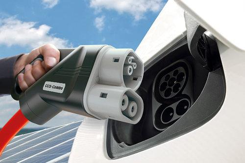 BMW, Daimler, Ford, VW: Schnell-Ladenetz für Europa CCS Gleichstrom Ladestecker